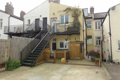 2 bedroom flat for sale - Woodcote Mews, WALLINGTON, Surrey