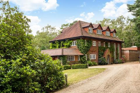 6 bedroom detached house to rent - Swinley Road, Ascot