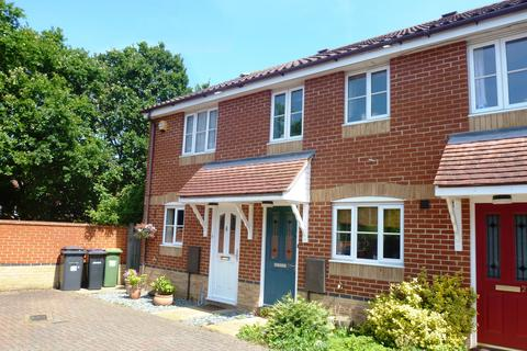 2 bedroom terraced house to rent - Heron Close, Rayleigh, Essex