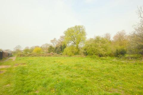 Land for sale - Willow Way, Luton, Bedfordshire, LU3 2SA