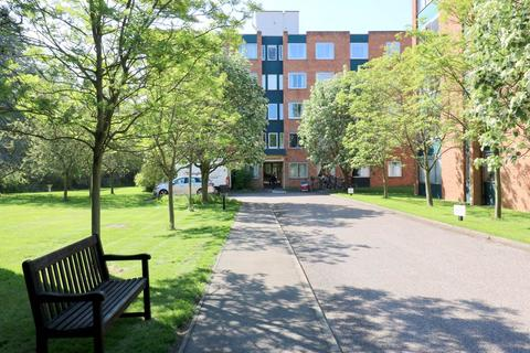 3 bedroom flat to rent - Marlborough Court, Pinehurst, Grange Road