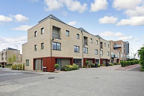 2 bedroom flat to rent - Harvest Road, Trumpington, Cambridge