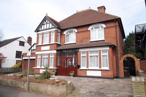5 bedroom detached house to rent - Close To Town Centre