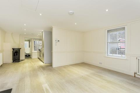 Studio to rent - Newburgh Street, Soho