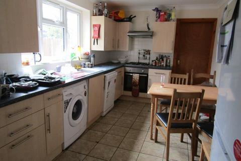7 bedroom semi-detached house to rent - Spear Road, Southampton