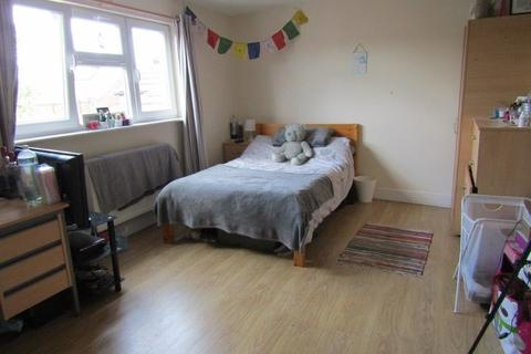 9 bedroom semi-detached house to rent - Lodge Road, Southampton