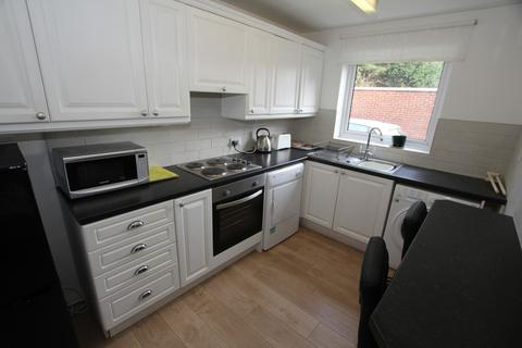 2 bedroom apartment to rent - Leighstone Court, Victoria Rd