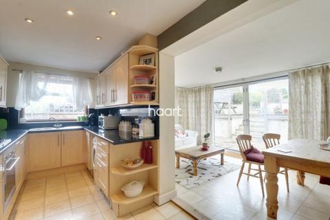 3 bedroom semi-detached house for sale - Lanercost Way, Ipswich