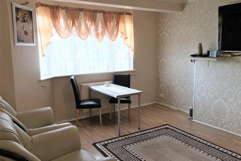 2 bedroom flat to rent - The Vale, Acton, London