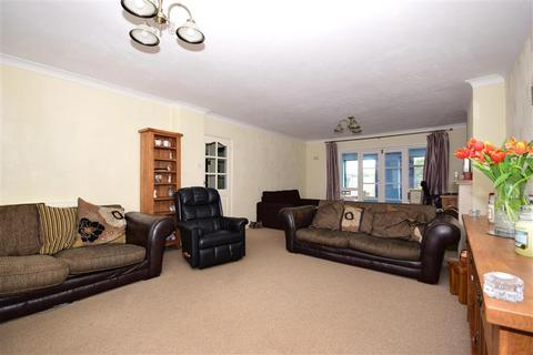 4 bedroom detached house for sale - South Hanningfield Way, Runwell, Wickford, Essex