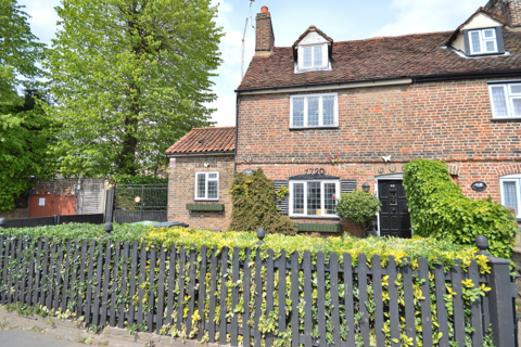 3 bedroom cottage for sale - College Road, Cheshunt EN8