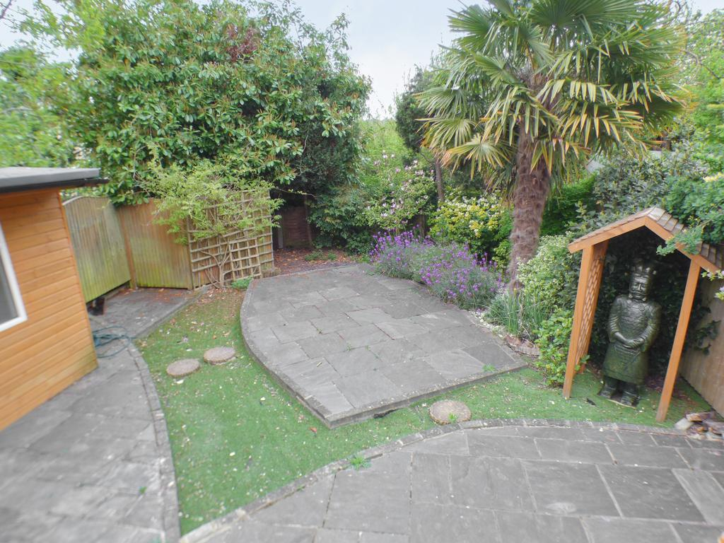 5 Bedroom Semi Detached Bungalow for Sale