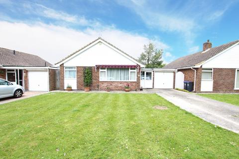 2 bedroom detached bungalow to rent - Fernhurst Drive, Goring-By-Sea, BN12