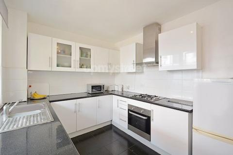 3 bedroom flat to rent - Cranleigh Street, Somers Town, NW1