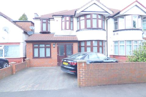5 bedroom semi-detached house for sale - Great West Road, Heston, TW5