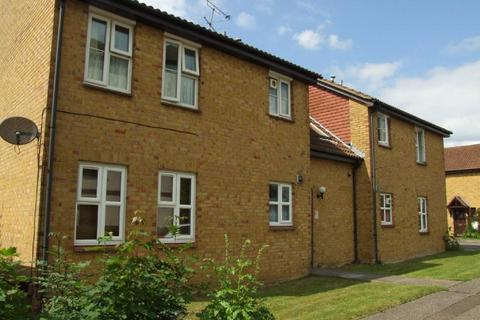Studio to rent - Bounderby Grove, Newland Spring, Chelmsford, CM1 4XW