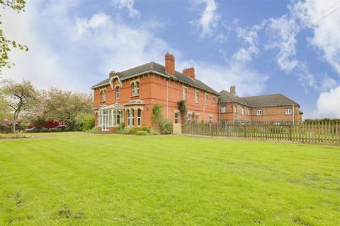 6 bedroom detached house for sale - Wishfield House, Chesterfield Road, Barlborough, Chesterfield, S43 4TT