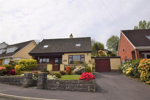 3 bedroom detached bungalow for sale - Knowle Gardens, Combe Martin, Ilfracombe