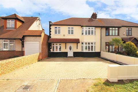 4 bedroom semi-detached house for sale - Coniston Close, Barnehurst