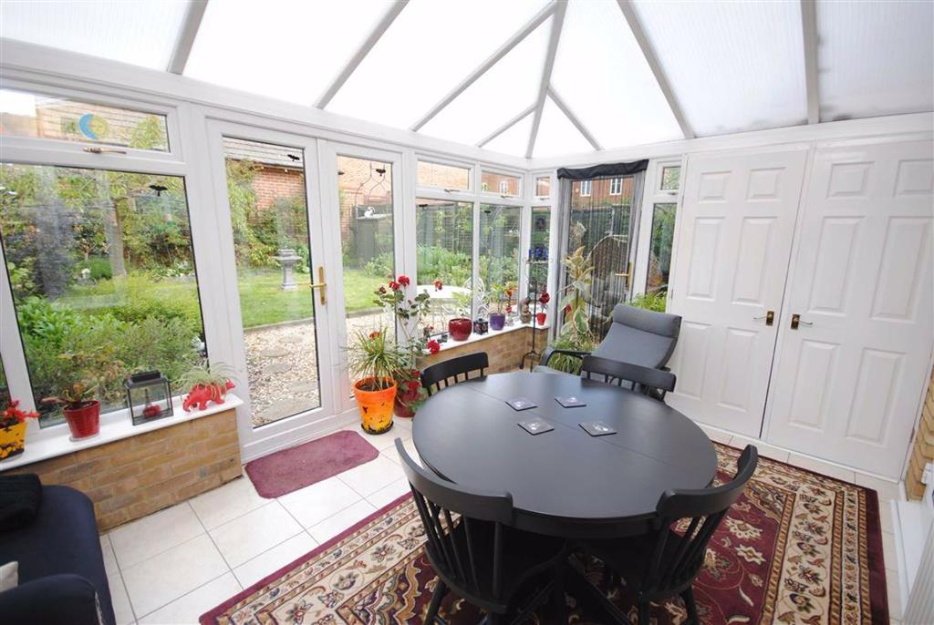 Trent Way Leighton Buzzard 3 Bed Semi Detached House For