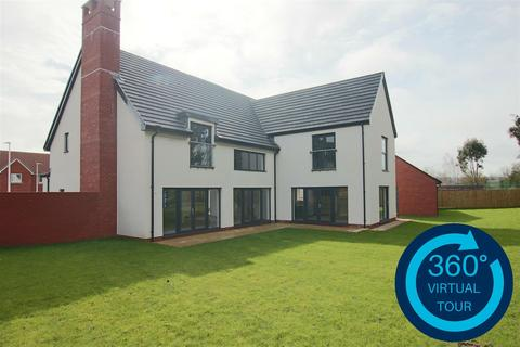 5 bedroom detached house for sale - Great Woodcote Park, Off Topsham Road, Exeter