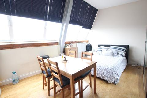 Studio to rent - Hermioni Studios, Tavistock Road, N4