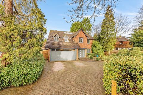 5 bedroom detached house for sale - The Avenue, Tadworth, KT20