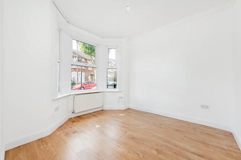 2 bedroom semi-detached house to rent - Charlemont Road, E6