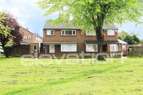 3 bedroom semi-detached house to rent - Essex Close, Bletchley, Milton Keynes, MK3