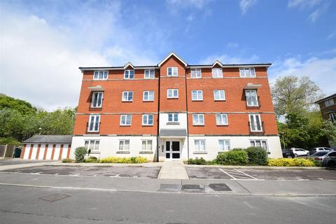 Valley View Shaw Close Hastings Tn35 2 Bed Flat To Rent