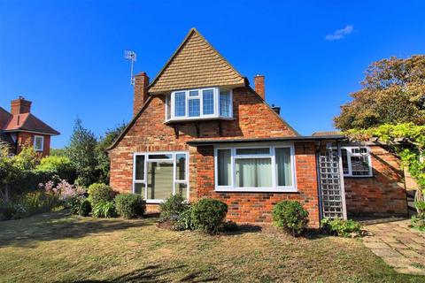 2 bedroom detached house for sale - Sutton Road, Seaford, East Sussex