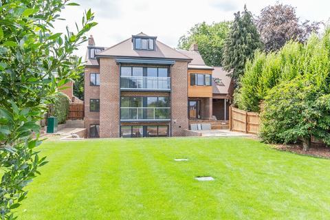2 bedroom apartment to rent - Hills Road, Cambridge