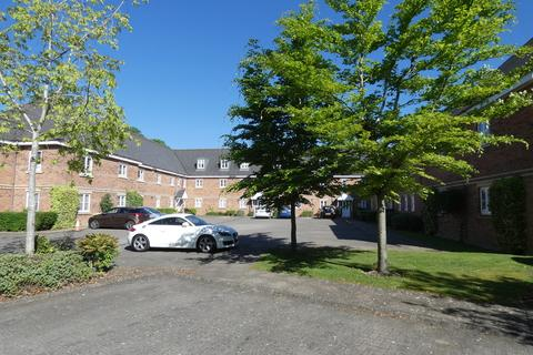 2 bedroom apartment to rent - Wade Court, Cheltenham