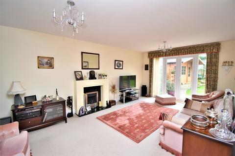 4 bedroom detached house for sale - Tilling Close, Maidstone
