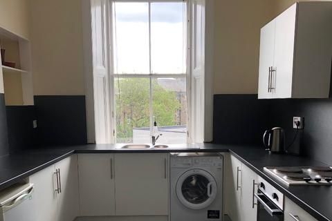 3 bedroom flat to rent - Elm Row, Leith Walk, Edinburgh, EH7 4AH