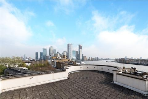2 bedroom flat for sale - Kings House, 1 Brightlingsea Place, London, E14