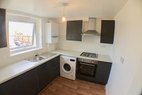 2 bedroom flat to rent - Roman Road, London, E2