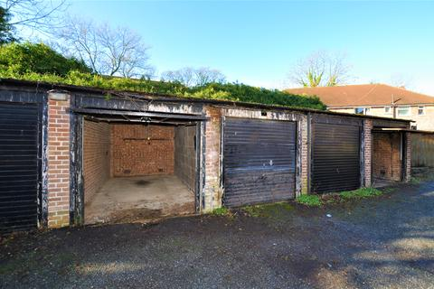 Garage to rent - Springfield Close, Stanmore HA7
