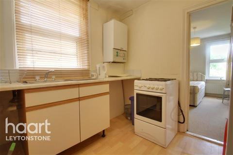 1 bedroom in a house share to rent - Fairlop Road - Leytonstone - E11