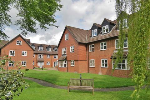 2 bedroom retirement property for sale - Castle Court, Marlborough