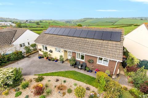 4 bedroom detached bungalow for sale - Long Park, Modbury, Ivybridge, Devon, PL21