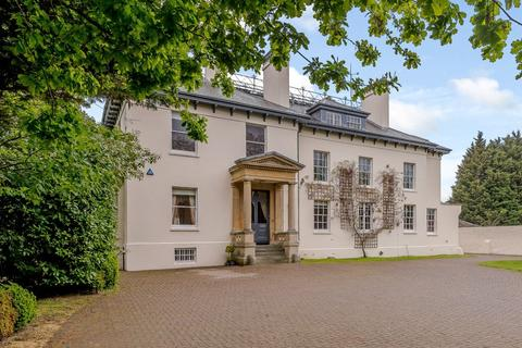 8 bedroom detached house for sale - Bath Road, Sulhamstead, Reading