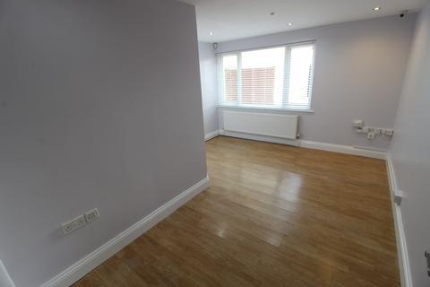 Property to rent - Shelbourne Road, Charminster, Dorset