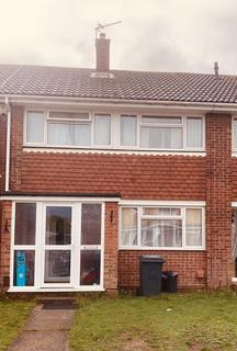 3 bedroom terraced house to rent - Three Bedroom Two Bathroom Terraced House with Open Plan Kitchen Living Room on Ladds Way, Swanley