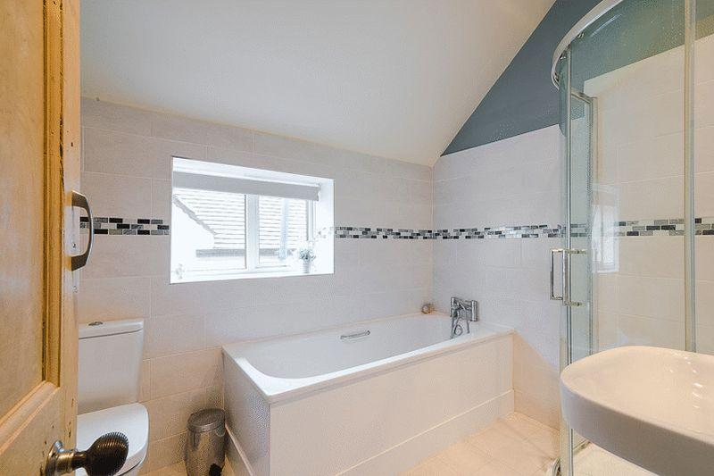 3 Double Bed Semi Detached House On Charleston Road
