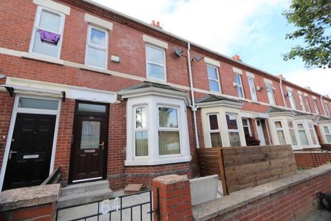 3 bedroom apartment to rent - Ayres Road, Old Trafford, M16