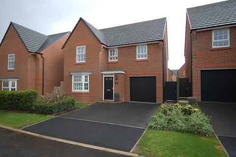 4 bedroom detached house for sale - Thorneycroft Way, Crewe