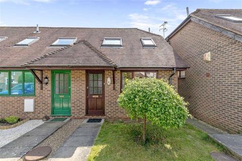2 bedroom end of terrace house for sale - Hampden Mews, Ashford, Kent