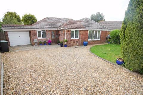 4 bedroom detached bungalow for sale - Insley Crescent, Broadstone, Dorset
