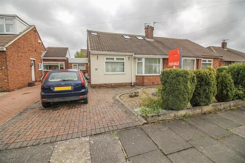 2 bedroom semi-detached bungalow - Blanchland Avenue, Newcastle Upon Tyne